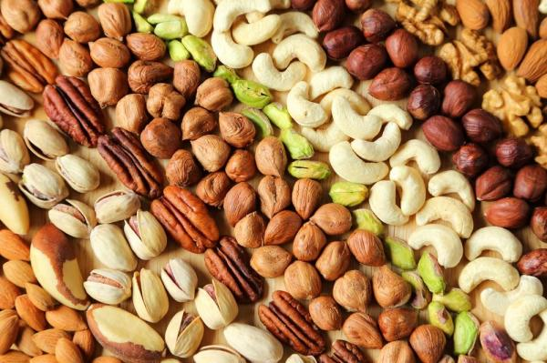 regular-nut-consumption-linked-to-less-inflammation
