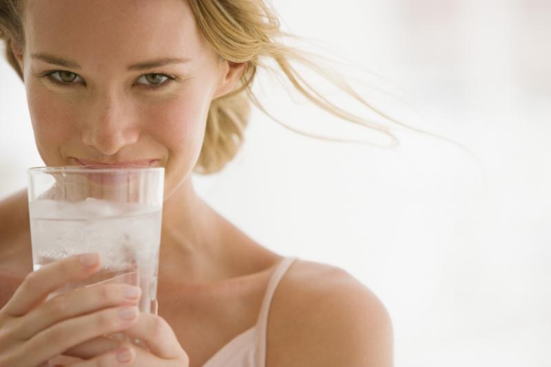 Можно ли пить при диете газированную минералку