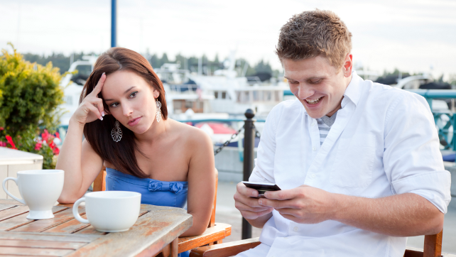 6 Ways to Run Out on a Bad Date