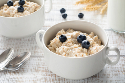 How Eating Oatmeal Everyday Helps Your Body